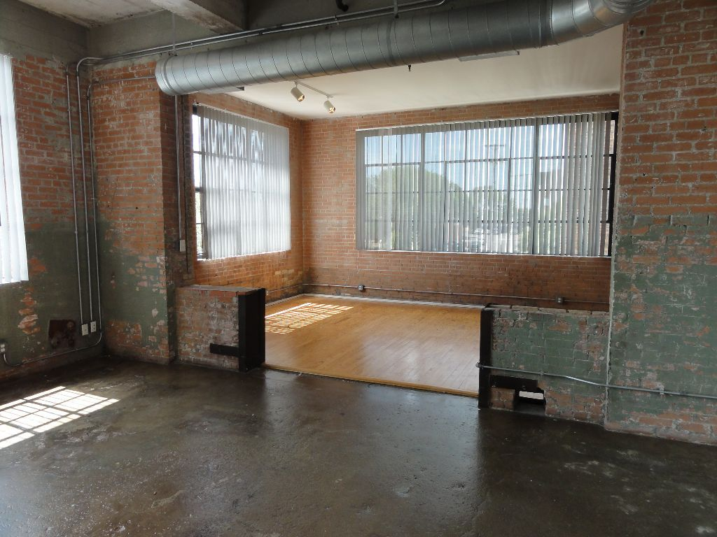 deep-ellum-warehouse-loft
